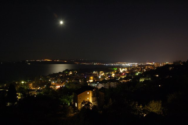 Night_shot_of_Varna